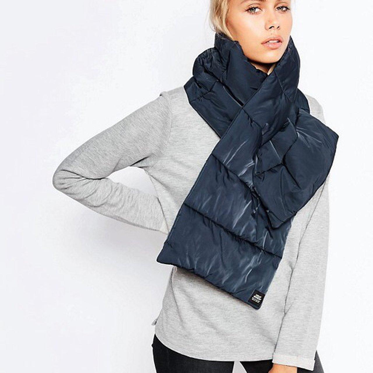 дутый шарф
